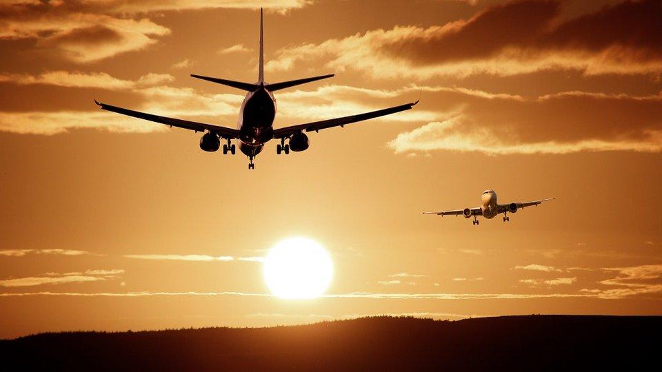 aircraft-513641_960_720